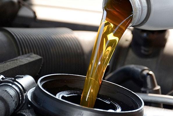 От какво количество масло се нуждае автомобила